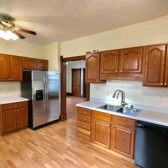960 14th St, Marion, IA 52302